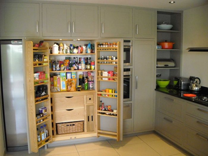 winchmore hill open larder there are even lights inside. Black Bedroom Furniture Sets. Home Design Ideas