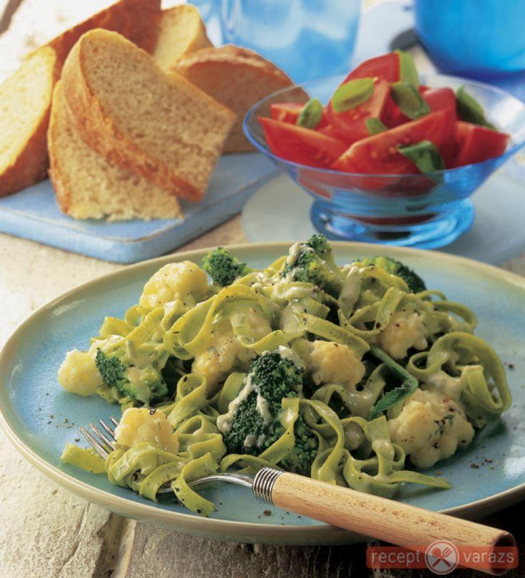 recept receptek tagliatelle brokkolival karfiollal kék sajttal zöldsége tészta brokkoli karfiol sajt vega vegetáriánus konyha Készítsd el akár 2, vagy 12 főre, a Receptvarazs.hu ebben is segít!