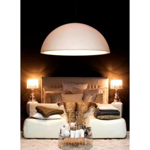 De Kayradome 60 is de nieuwste uitvoering in de Kayradome-serie van Rove Design. Het is een sfeervolle koepellamp die zich door zijn vriendelijke uitstraling in vele interieurs thuis voelt. Zo is de Kayradome niet alleen geschikt als kantoorverlichting of woonkamerverlichting, deze designlamp misstaat ook zeker niet in de hal, slaapkamer of keuken.