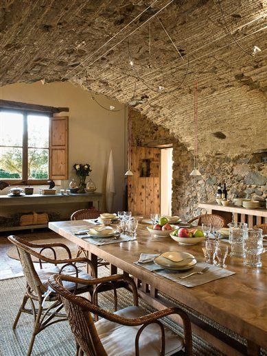 Hermosa casa antigua totalmente remodelada y decorada en estilo tradicional. Su interior es muy cálido y confortable.   Beau...
