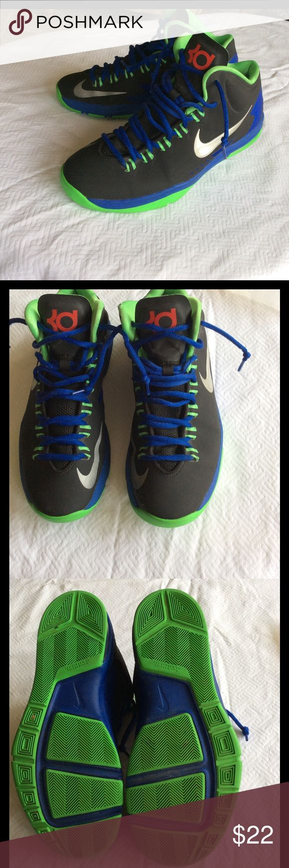 Nike KD Basketball Sneaker Nike KD Youth Basketball sneaker, previously used but in good shape. Nike Shoes Sneakers