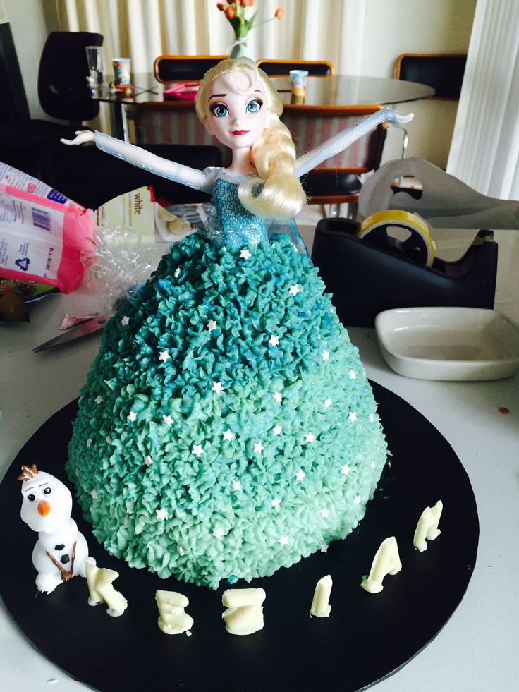 Elsa ombré cake with white chocolate lettering