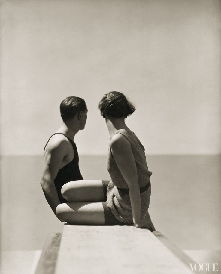 Pretty image from an old Vogue.: George Hoyningenhuen, George Hoyningen Hat, Black And White, 30S Photography, July 1930, 1930 Photography, Vintage Vogue, Fashion Image, Beaches Fashion