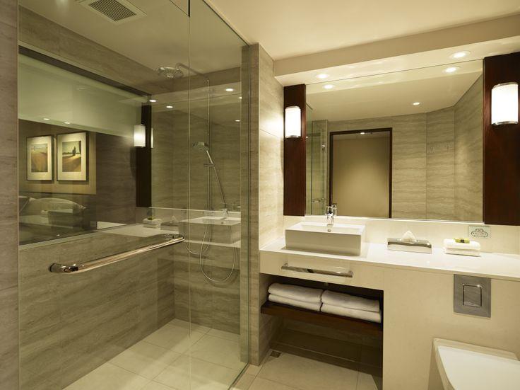 Concept Deluxe Guestroom bathroom