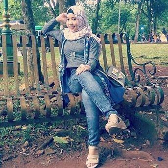 Reposf from @ayusupiani . __________ #wanitaberhijab #hijabcommunity #instahijab #hijabhits #selfiehijab #berhijab #hijabstyle #cewekmanis #hijabdaily #hijabmodis #hijabersindonesia #hijabstreet #hijaberkece #hijabkekinian #hijaberscantik #hijabermodern #cewek #endors #wanitaindonesia #cewekindo #indohijabers #jilbabindo #hijabers #jilboobsaddict #hijabergaul #hijabermanis #ootdhijab