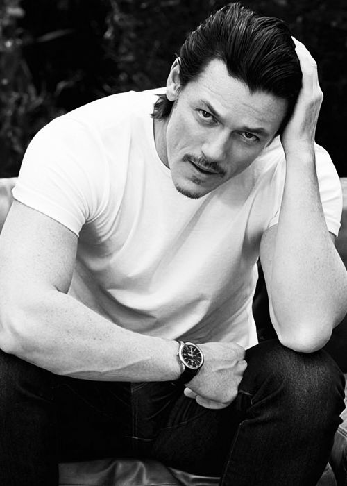 Luke Evans... there is something about him...