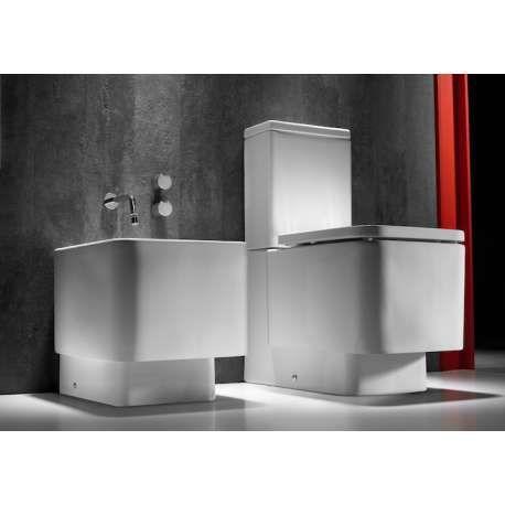 Pack WC Complet en Porcelaine collection Element de Roca. Installation au Sol. Cuvette + Reservoir + abattant silencieux. Livré avec kit fixation. Voir prix et infos ici