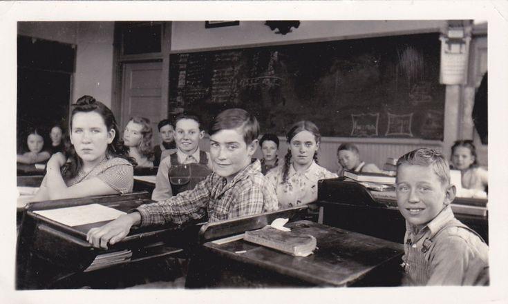 Escuela Oficial de Idiomas - la Gran Guía de como aprobar el examen (2016) :http://englishexplained.es/escuela-oficial-de-idiomas-guia-examen