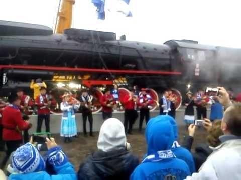 """Oficjalne odsłonięcie lokomotywy przy Stacji """"Bułgarska""""."""