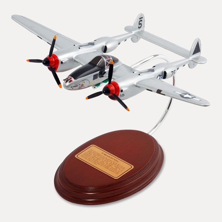 Daron Worldwide Lockheed Martin P-38J Lightning 1/50 Scale Model Plane - AM07004