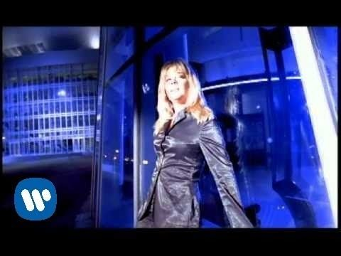 LeAnn Rimes - How Do I Live (Official Music Video) - This one did not win the award, but it won the best sales...for good reason.