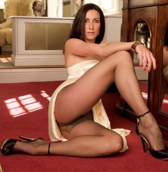 genomskinliga underkläder sex vide