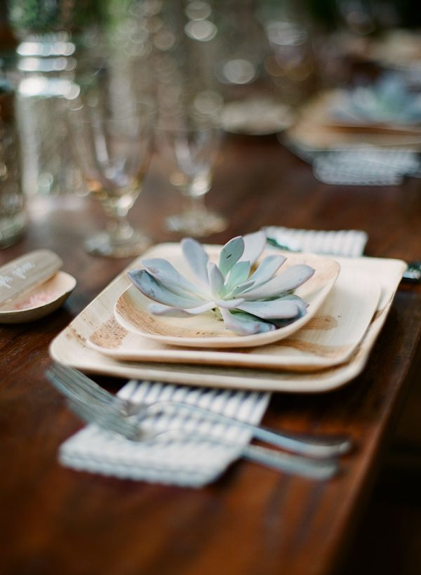 Fallen Leaf plates. Eco friendly place setting for wedding & 203 best Dinnerware images on Pinterest | Kitchens Table and ...