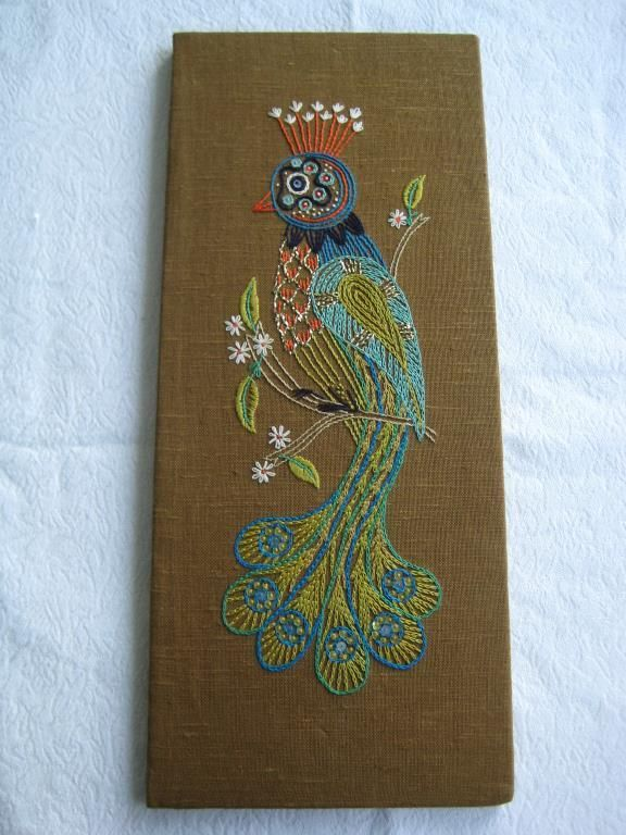 Broderad Tavla/Bonad med exotisk Fågel Retro 60-tal på Tradera.com -