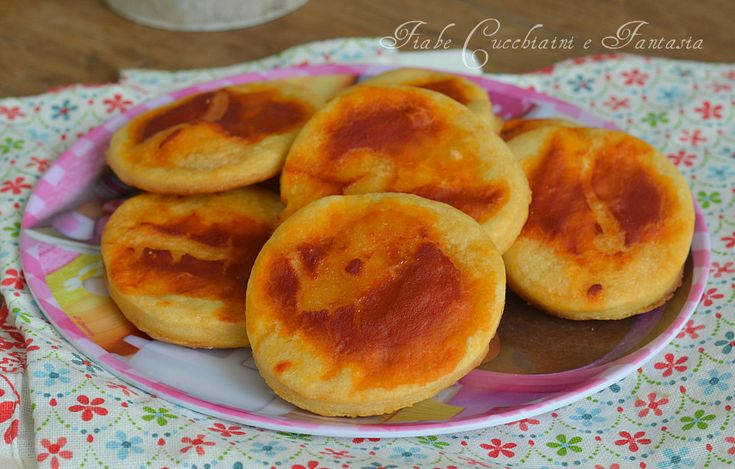 Pizzette al pomodoro ricetta velocissima, facilissime e veloci ,ottime per la merenda, per festicciole, ideali anche da portare a scuola per la merenda
