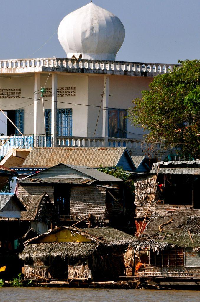 Kampong Chhnang, Cambodia | Kampong Chhnang is a busy, exciting town on the southern shore of the Tonle Sap lake.