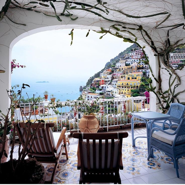 Hotels with balconies: Le Sirenuse, Positano, Italy