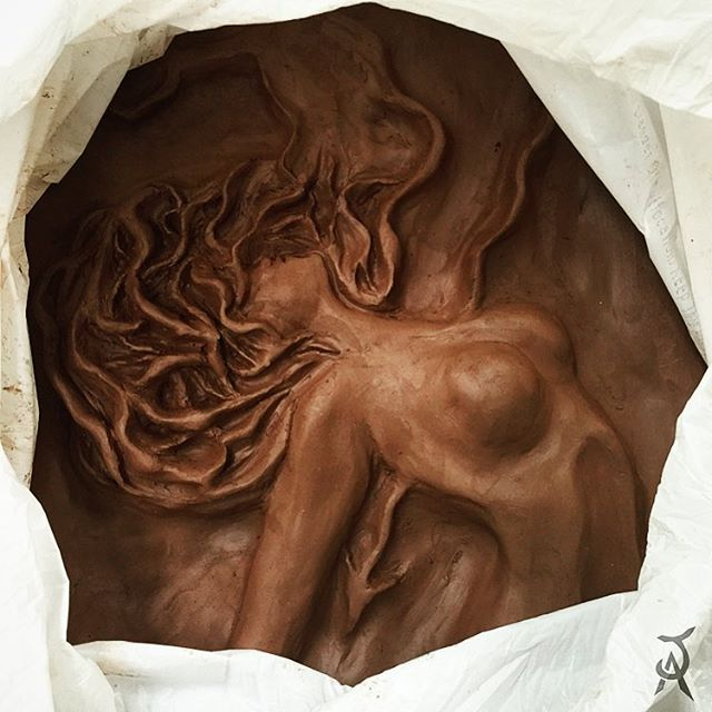 clay sculpture for my class. If you want to see more you can follow me on instagram j.artwor    #sculpture #art #woman #sculpture #sculpting #hair #texture #nud #artwork #istaart #artist #artgallery #clayart #biguine  #istalove #womanart #claywoman #made #motherNature #mather #nature   #wtf #intagood