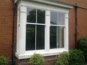 To help you understand why, this post will explain the factors that affect double glazing prices and how you can control them without sacrificing its main benefit – energy efficiency.