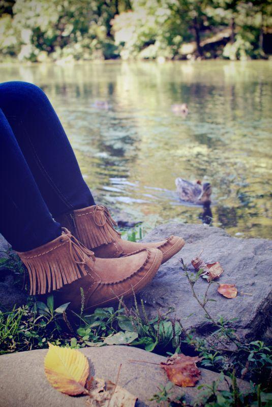 UGG Australias fringe moccasin boot for women - the