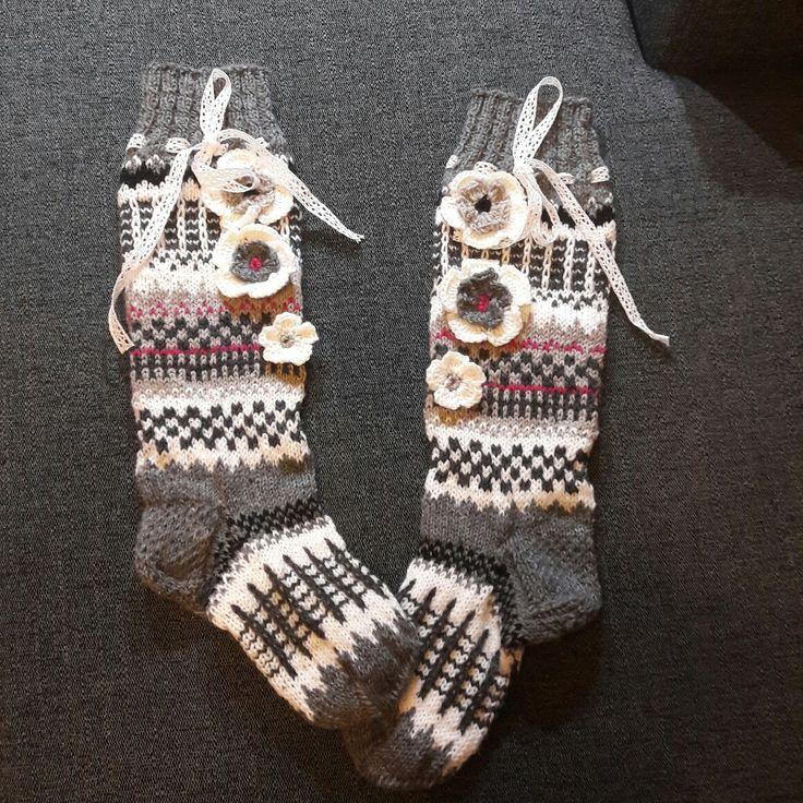 Vuoden ekat sukat valmistuivat 😀