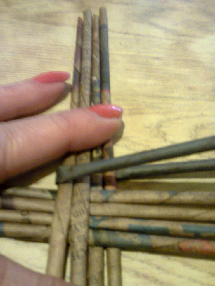 Curso de cestería con periódicos o falso mimbre: Como hacer tapa de cesto redondo - 2