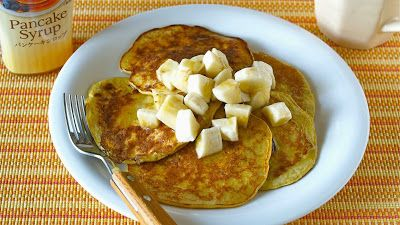 COOKLABO: 材料2つで簡単!バナナパンケーキの作り方 (動画レシピ)