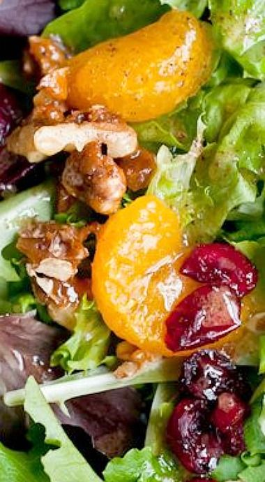 Holiday Green Salad with Mandarin Oranges, Cranberries and Walnuts with Orange Vinaigrette ❊