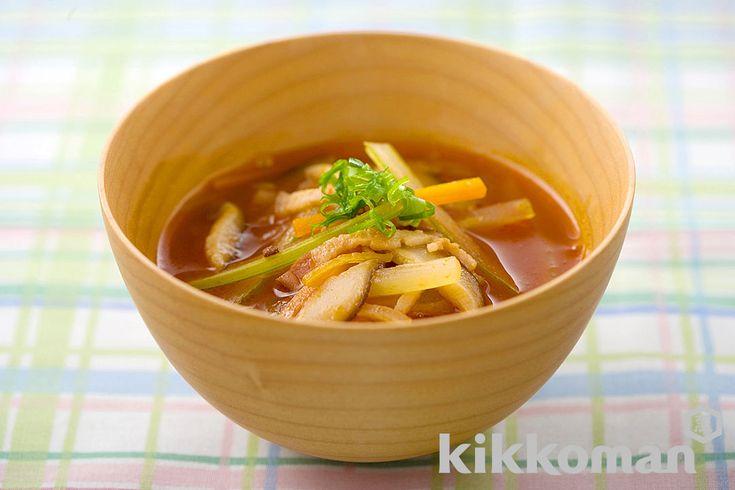 野菜とベーコンの和風トマトスープ