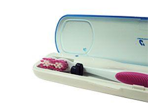 El Esterilizador de Cepillos portátil elimina los gérmenes, bacterias y virus, de los cepillos de dientes, manuales, eléctricos, interdentales, etc. de una manera eficaz y completamente segura para su salud bucodental.  Es un esterilizador con UV idóneo para la desinfección de cepillos dentales en viajes y cuando esté fuera de casa. http://www.ozonohogar.com/es/26-esterilizador-cepillos-dentales-uv.html