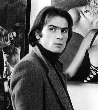 Tommy Lee Jones in The Eyes of Laura Mars. See, he was once young and handsome & thus didn't spring from the womb with the face of a 52 year old.