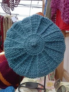 DA Crochet: Quick Cable Beret  Takes about 2 hrs, 1 sk plus an I hook