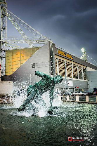 Deepdale - Sir Tom Finney statue