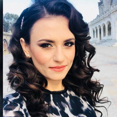 Retro hair Mădălina Spîrleanu http://madalinaspirleanu.com
