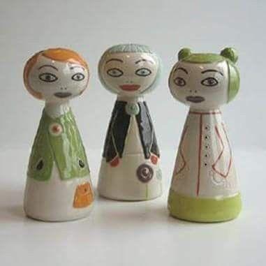 Ceramicgirls Flickor i keramik Gjorde några flickor som jag dekorerade olika. Har några till #ceramics  #girls #stoneware # keramik #porslin #studiomagenta  #lammhult #tjejer #drejat #design