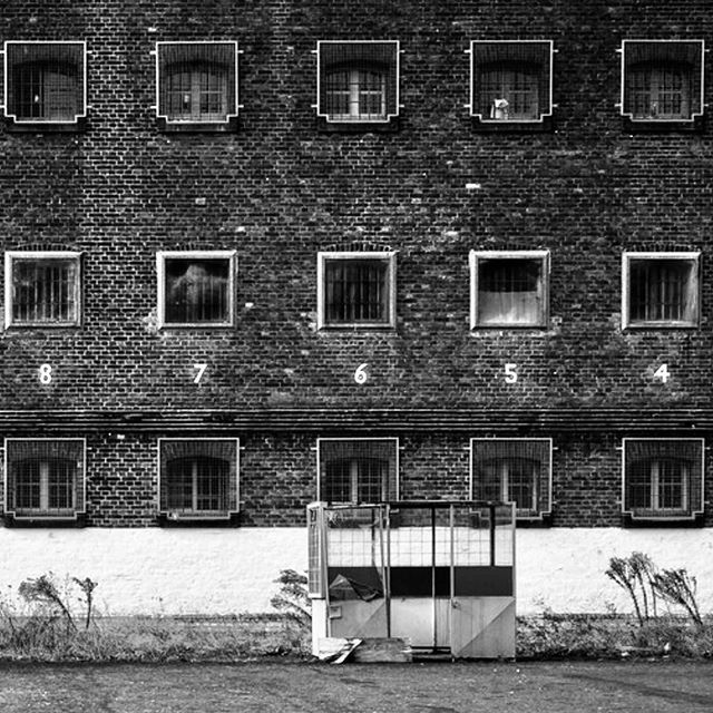 Prison walls... . . . . . . . . . . . . #brutalist#brutalism#architecture#design#mobilephotography#art#blackandwhite#bnw#photooftheday#fineart#fineart_photobw#insta_bw#instablackandwhite#instagood#monoart#monochromatic#noir#monochrome#monotone#photo#photography#interiordesign#design#500px#london#phone#prison#leeds