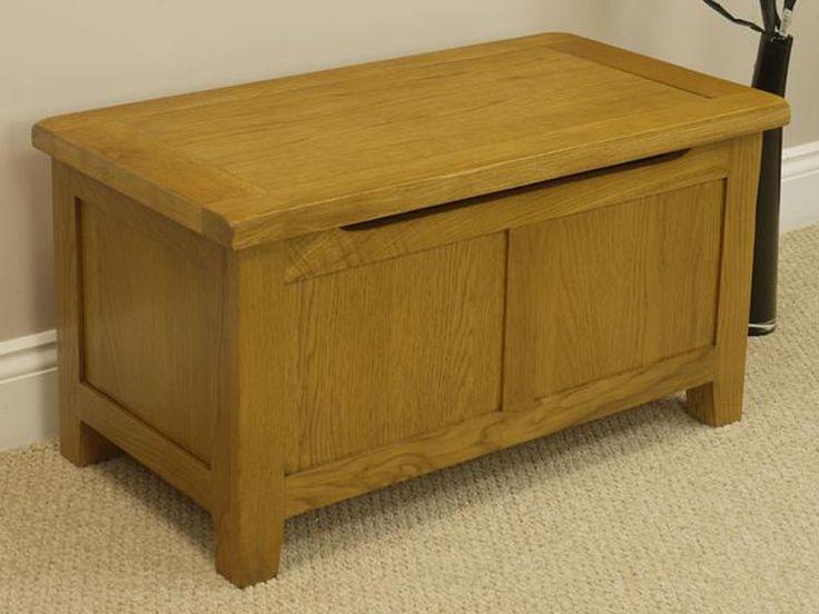 Tucan Oak Blanket Box