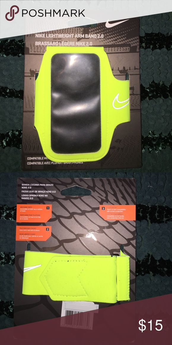 Nike Armband Nike BRAND NEW workout armband. Never used! iPhone 5, 5s, 6, 6s, 7 capable. Nike Accessories Phone Cases