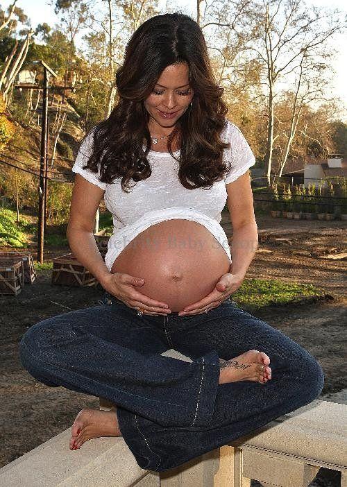 Brook Burke Pregnant 53