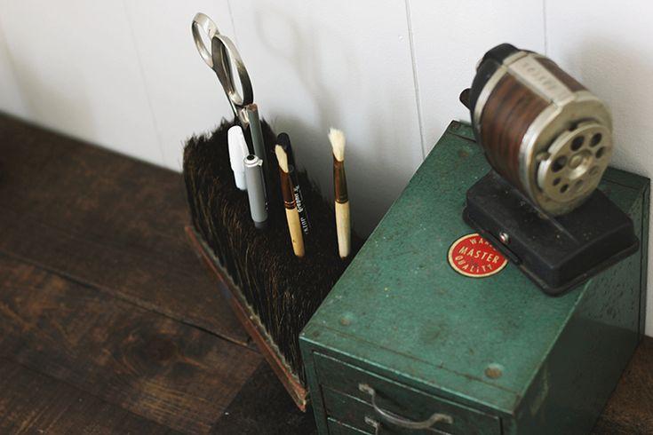 DIY Broom Head Desk Caddy