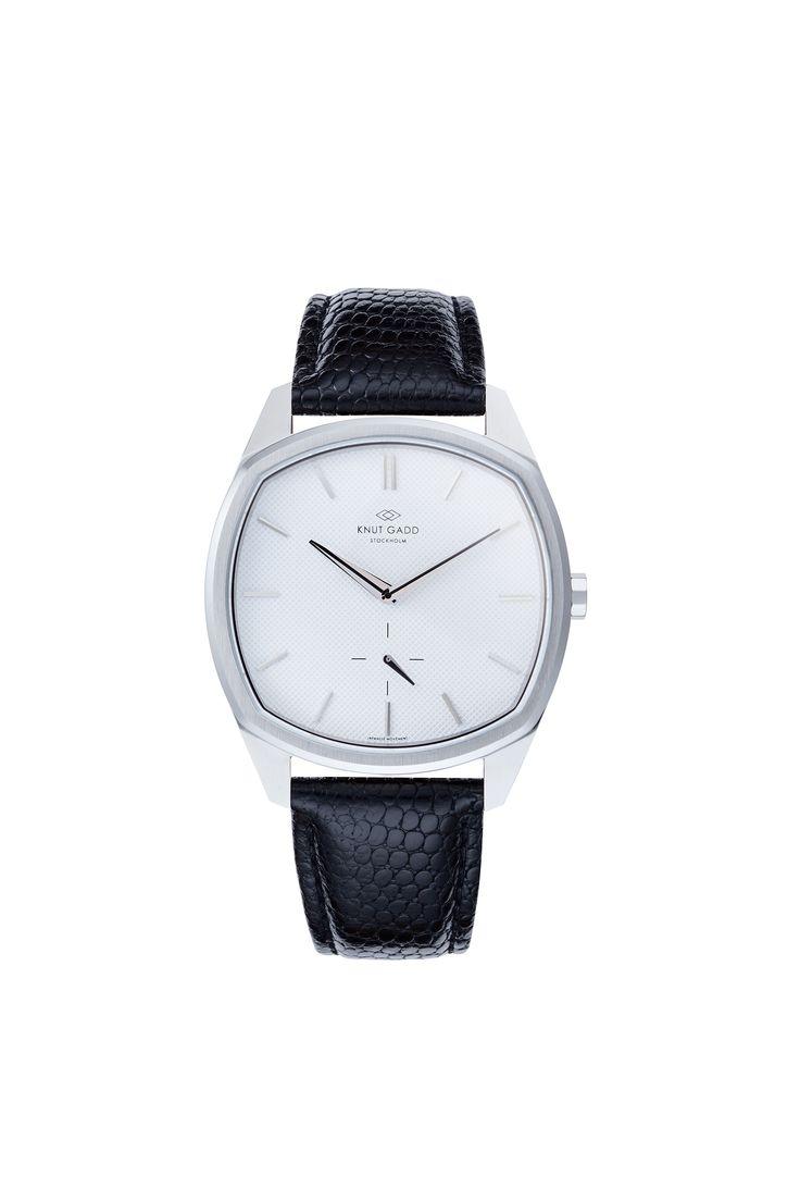 #knutgadd #knutgaddstockholm #watches #blackleather #silverwatch #fashion #wristwatch  #wristband #style