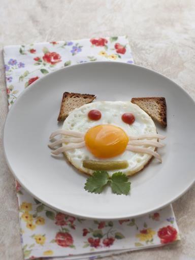 L'oeuf chat (pour les enfants) : un oeuf au plat en forme de chat, ludique et délicieurs