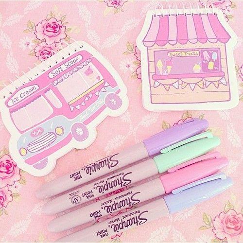 quero os bloquinhos e as canetas