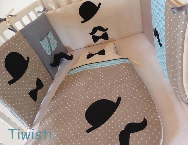 Tour de lit coussin et gigoteuse 0-6 mois originaux, Dandy :moustache, noeup et chapeau melon : Linge de lit enfants par tiwisti