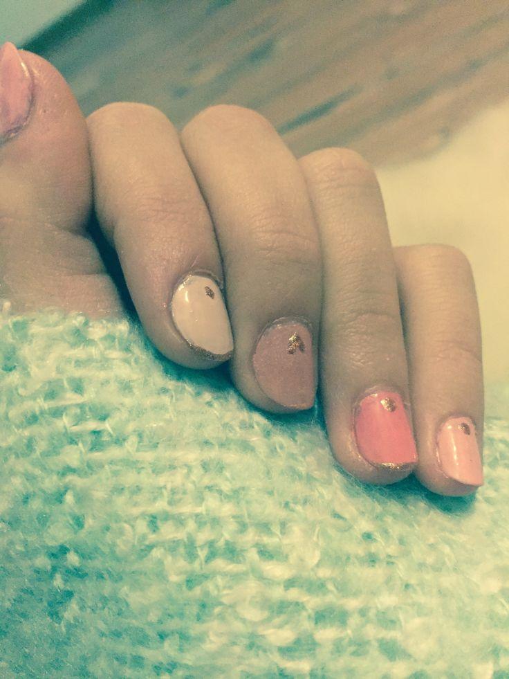 Nail polish gold and pink