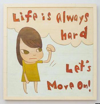「Let's Move On!」先へ進みましょう!  メッセージを読んで、心を打たれない人はいないですね。無表情な女の子が、こぶしを握っている絵も印象的。
