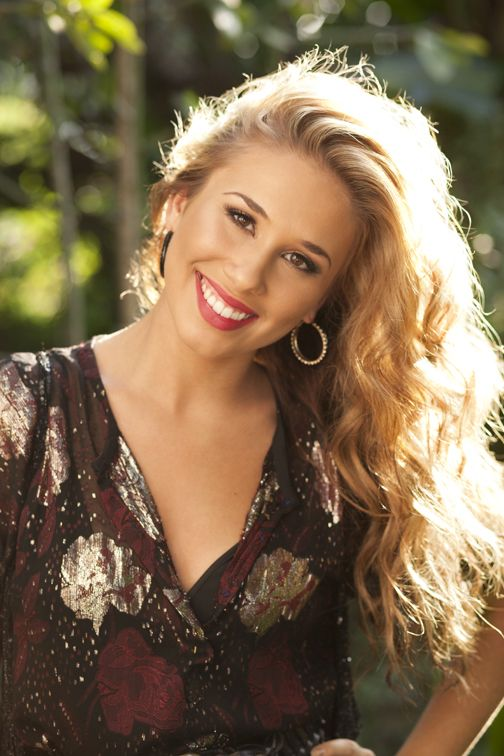 "Haley Reinhart, an American Idol contestant who should've won, don't even get me started... amazing voice and beautiful girl! I <3 her album ""Listen Up!"""