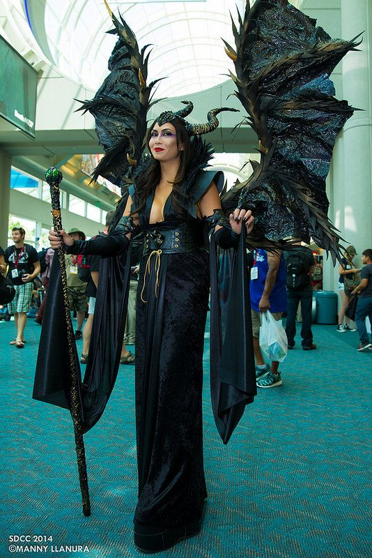 Maleficent #cosplay | San Diego Comic Con 2014---OH.MY.GOD. freaking amazing