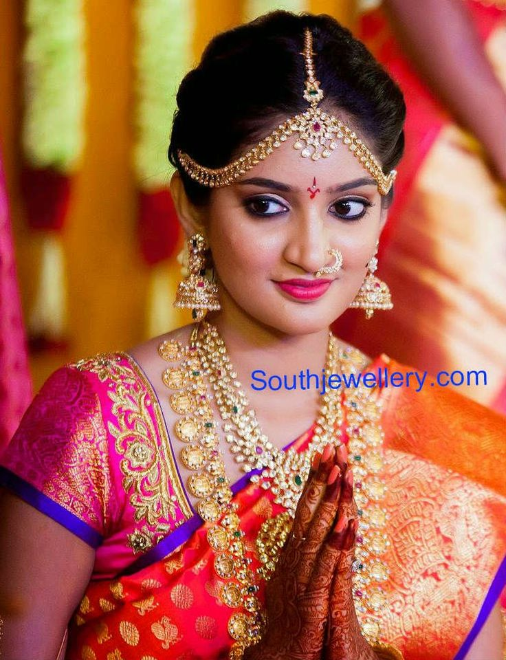 Bride in Pacchi Necklace Set and Kasu Haram