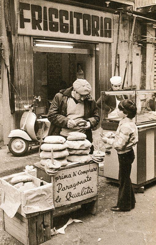 Italian Vintage Photographs ~ #Italy #Italian #vintage #photographs ~ Napoli di bellavista, L. de Crescenzo - 1979   #TuscanyAgriturismoGiratola